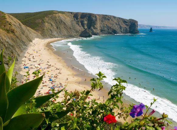 praia de arrifana - nacionalidade portuguesa