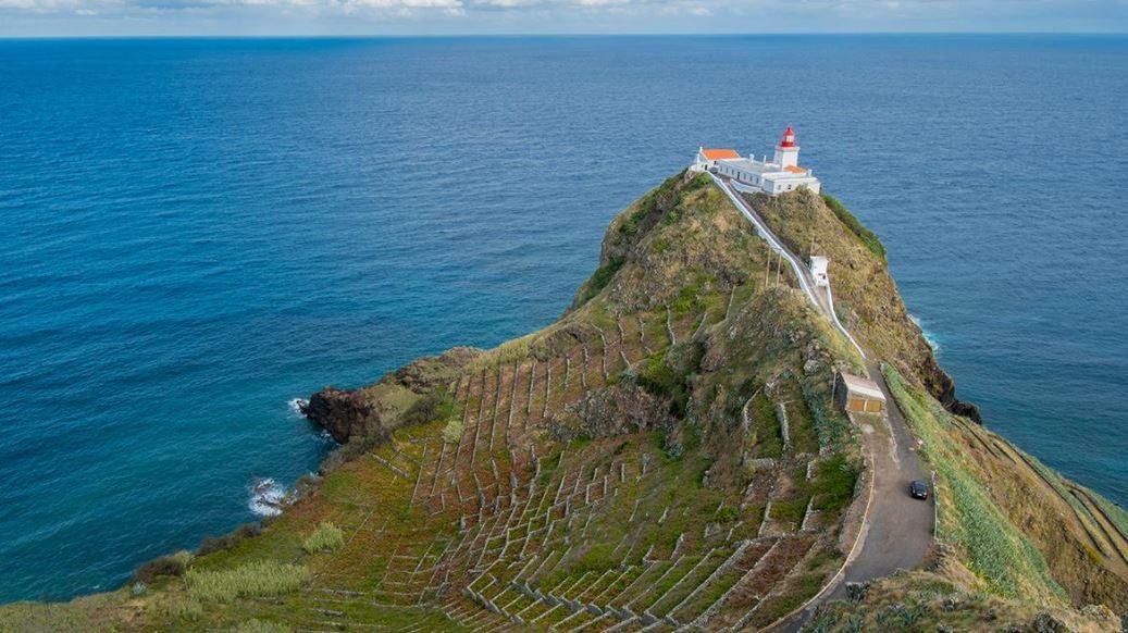 ilha de santa maria perto da ilha de são miguel nos açores